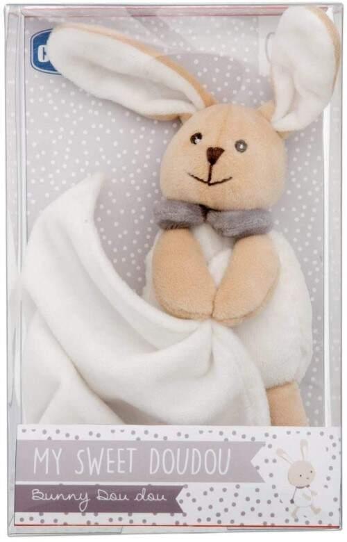 El conejito peluche un regalo atractivo para el bebe recien-nacido